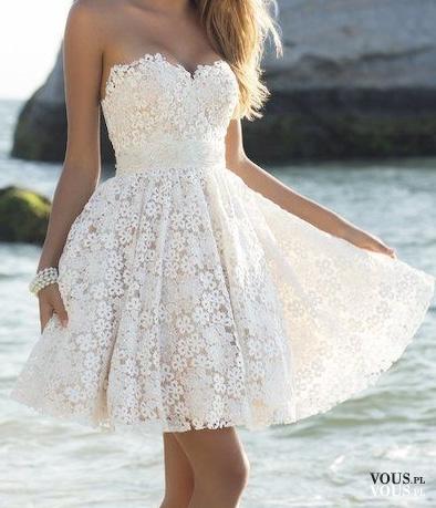 lekka zwiewna sukienka, biała sukienka, wyszywana dziewczęca