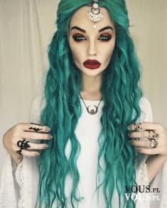 Oryginalny kolor włosów, zielono-niebieskie włosy