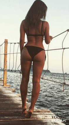 Szczupła kobieta, fit ciało, jak uzyskać takie ciało, jakie ćwiczenia są najlepsze na tyłek