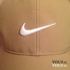 czapka z daszkiem nike
