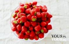 truskawki , przepisy na deser z truskawek