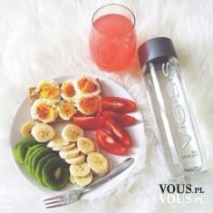 zrowe drugie śniadanie, sok z owoców, sałatka owocowa