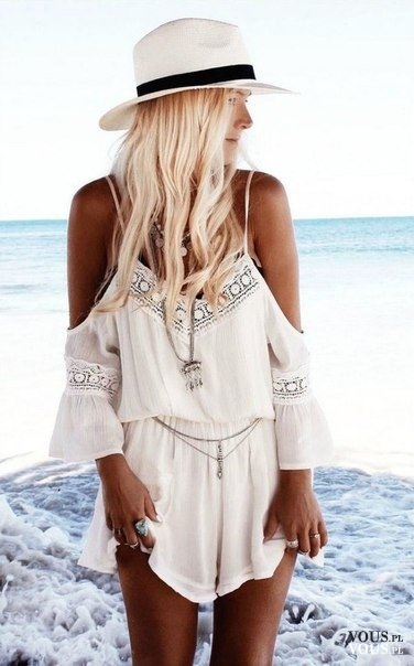 9ef4d0facb5581 Stylizacja na plaże, luźna sukienka na lato, wakacje nad morze, strój na  plaże