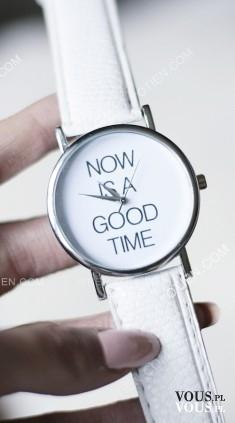 ZEGAREK BIAŁY NAPIS NOW IS THE GOOD TIME ze sklepu www.otien.com – OTIEN