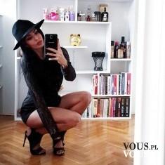 mała czarna, kapelusz z rondem, czarny kapelusz