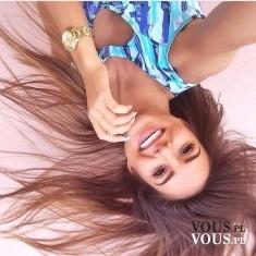 uśmiechnięta dziewczyna, selfie, jak zrobić ciekawą selfie