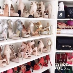 szafa pełna butów, różne rodzaje butów, jak dobrać buty do okazji