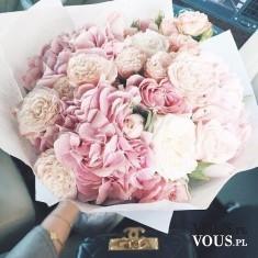 Duży bukiet kwiatów. Różowe kwiaty.