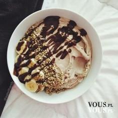 lody czekoladowe z bananami i płatkami owsianymi, mało kaloryczne słodycze