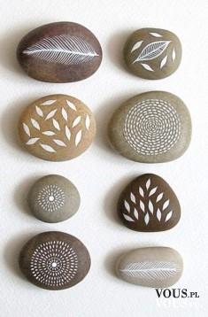 oryginalne kamienie, wzory na kamieniach, kamień z napisem love