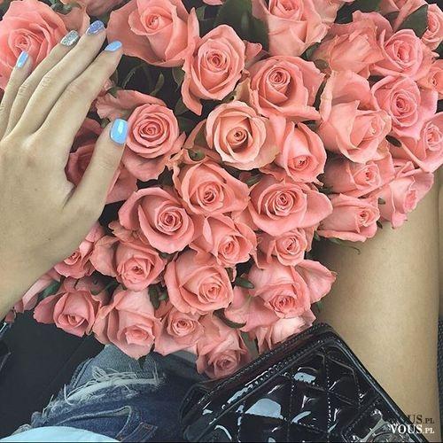bukiet róż, co symbolizuje róża