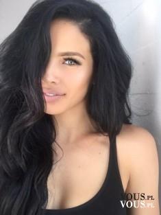 szampony powiększające objętość włosów