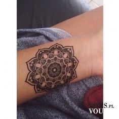 tatuaż na przedramieniu, tatuaż na nadgarstku