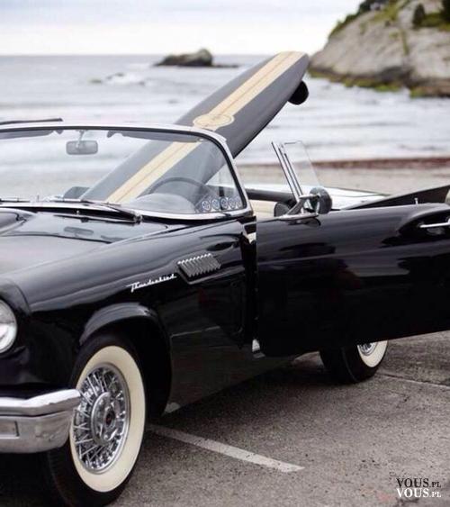 czarny cabriolet