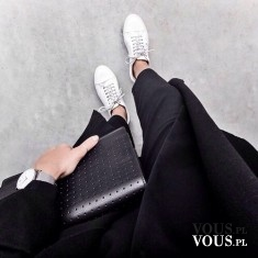 czarne spodnie, czarny płaszcz, dodatki