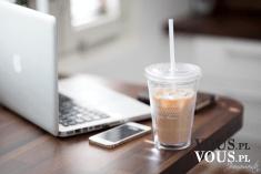 mrożona kawa w pracy