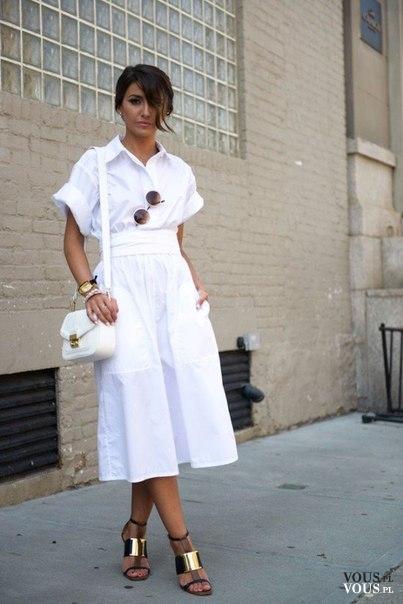 bb1589dce2 Biała sukienka midi. Rozkloszowana sukienka z krótkim rękawem ...