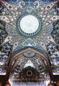 piękna mozaika na suficie