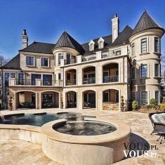 dom jak zamek