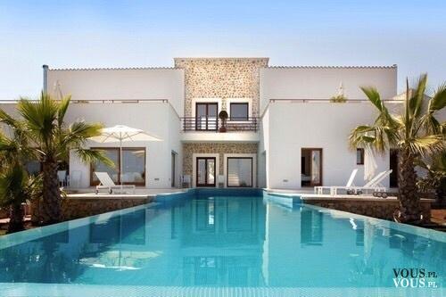 luksusowy dom z basenem