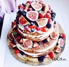 Duży piętrowy tort z mnóstwem owoców. Przepis na tort z owocami. Jak zrobić tort owocowy?