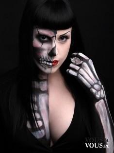 Makijaż na Halloween. Makijaż kościotrup na Halloween. Jak zrobić makijaż kościotrupa na Halloween?