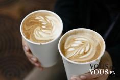 Wzorki na kawie, jak zrobić wzorek na kawie, dekorowanie kawy.