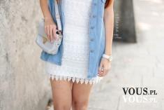 Stylizacja – biała koronkowa sukienka, jeans / denim kamizelka, szara torebka, szare grey  ...
