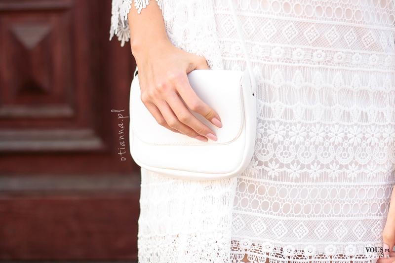 c7cb93ccc2 Koronkowa biała mini sukienka - HM