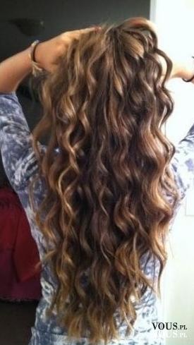 Długie Falowane Włosy Jak Dodać Włosom I Fryzurze Objętości