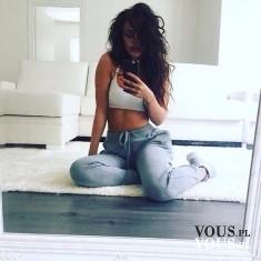 Zdjęcie w lustrze, zdjęcie przed treningiem, zdjęcie wysportowanej kobiety