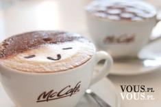 Pomysł na kawę, ozdobiona kawa, rysunek na kawie