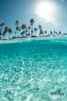 Błękitna woda i bezchmurne niebo! kto czeka na upalne lato?