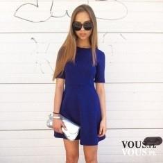 Kobaltowa sukienka, rozkloszowana sukienka z krótkim rękawkiem, kobalt i srebro, jakie dodatki d ...
