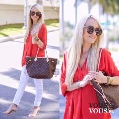 Czerwona tunika, luźna czerwona koszula i białe spodnie