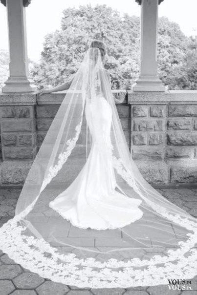 Suknia ślubna Z Długim Welonem Welon Z Koronkowym Wykończeniem