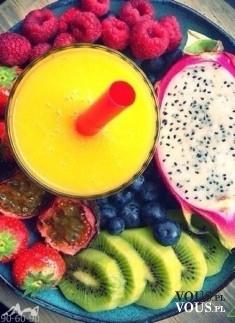 Mega porcja witamin, zdrowe owoce i owocowy mus, wartościowa przekąska