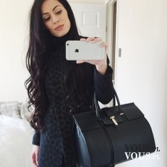Poranne selfie ootd przed lustrem, stylizacja total black,