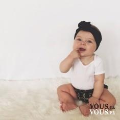 Dziecko, bobasek słodki mały, dlaczego dzieci wkładają palce do buzi?