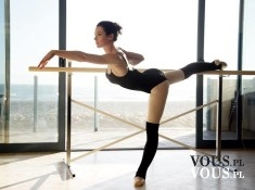 Piękna wyćwiczona baletnica, Czarne body i czarne podkolanówki. Gdzie kupie baletki, buty do baletu?