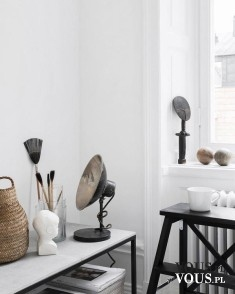 Design w pokoju, białe mieszkanie, piękne barwy w minimalistycznym pokoju. Jak urządzić minimali ...