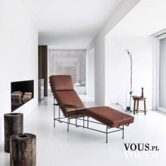 Biały pokój, biały gabinet psychologa z ciemno brązową leżanką, fotelem. Gdzie najlepiej wybrać  ...
