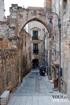Uliczka wenecka, wąska uliczka w Rzymie, Czy można łatwo i tanio podróżować po Rzymie?