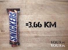 Czy Snickers ma dużo kalorii? Musisz przejść 3,66km by spalić Snickersa.
