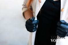 OTIANNA – stylizacja – czarne skórzane rękawiczki