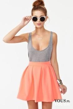Letnia stylizacja, lekki ubiór