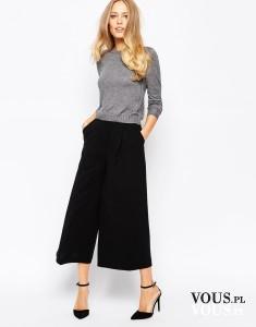 Szerokie spodnie ala spódnica, z szarym sweterkiem z Asos współgrają idealnie.