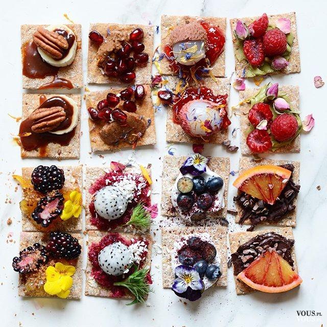 Zdrowe jedzonko, kanapeczki w różnych kolorach pięknie ułożone