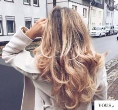 Pięknie wymodelowane loki blond