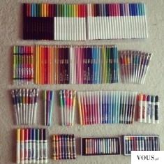 Mnóstwo pisaków. idealna organizacja szkolna